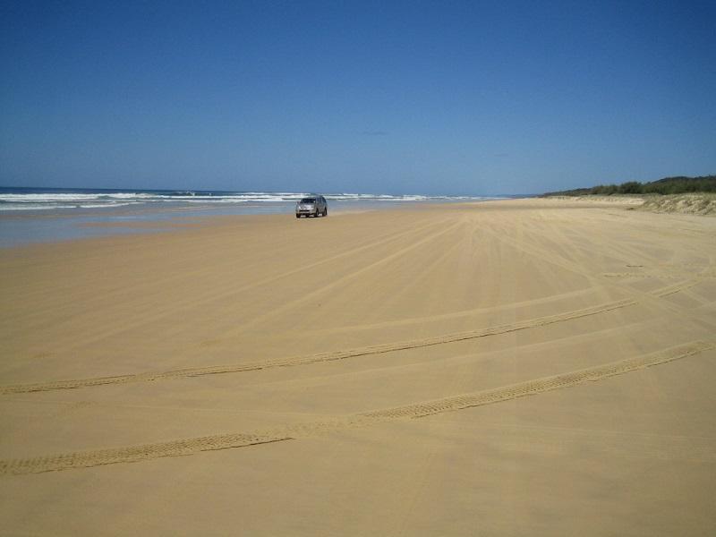 Brisbane Airlie Beach Fraser Island @awayonwheels