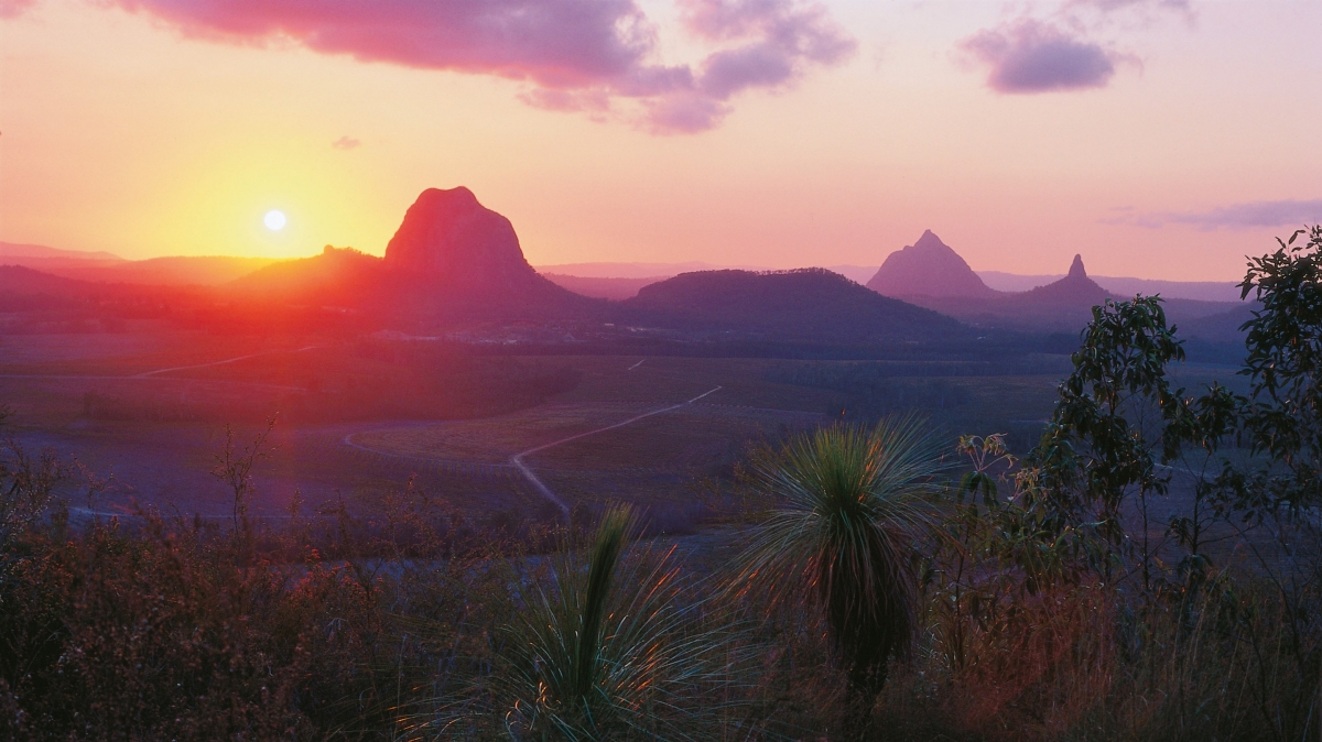 Brisbane Airlie Beach Glasshouse Mountains @awayonwheels