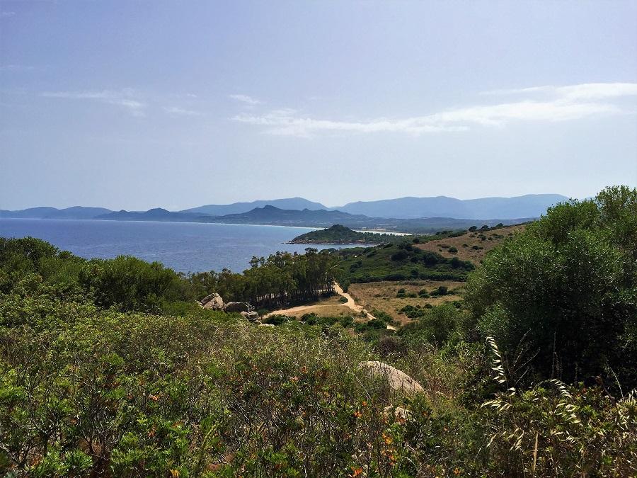 Highlights Sardinien_Capo Ferrato Leuchtturm_Blick auf Costa Rei